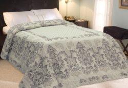 Prikrývky z ľanu na posteľ